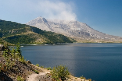 Mt. St. Helens and Spirit Lake. Photo by Greg Willis wiki.