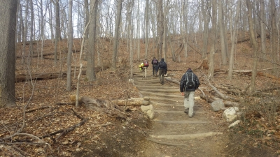 Nassau-Suffolk Trail in Cold Spring Harbor State Park NY. Photo by Mike Helbing/Metrotrails.