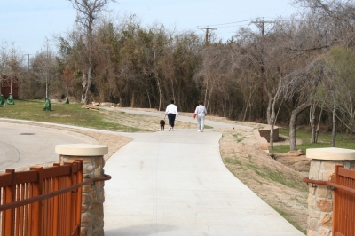 The Nancy Dillard Lyon Trail is part of the Fish Creek Linear Trail. Photo by City of Grand Prairie.