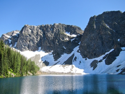 Blue Lake in Okanogan National Forest. Photo by Miguel Vieira at Flickr wiki.