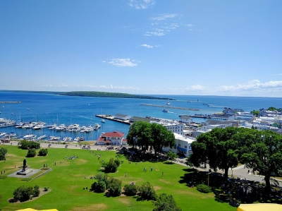 Mackinac Island view from Fort Mackinac. Photo by Viplav Valluri wiki.