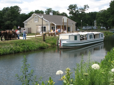 Canal boat and visitors center. Photo by Stark County Park District.