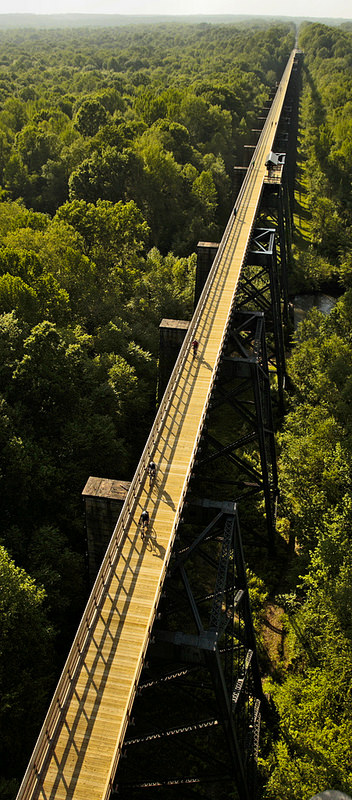 Trail users enjoy High Bridge Trail State Park