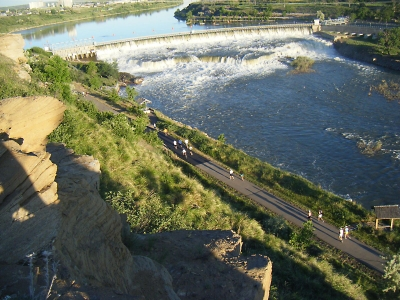 The trail runs along both sides of the historic Missouri River with spectacular views of parks, the river canyon, hydroelectric.